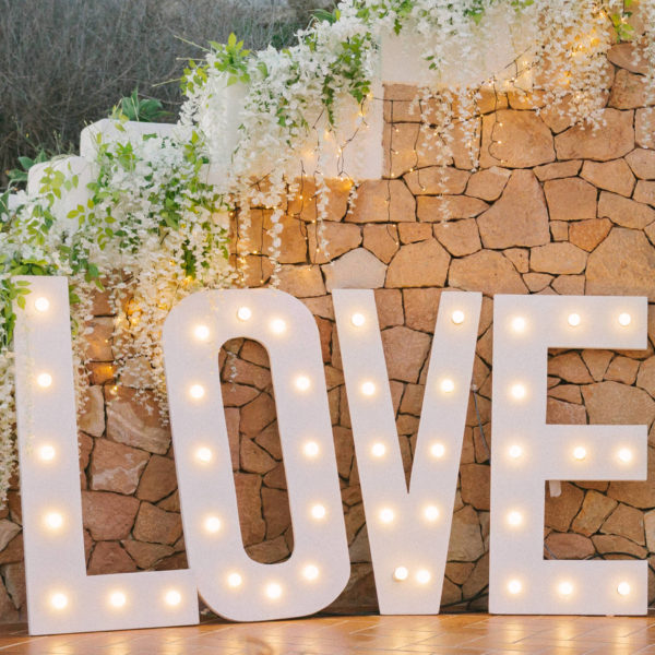 LOVE iluminado 2