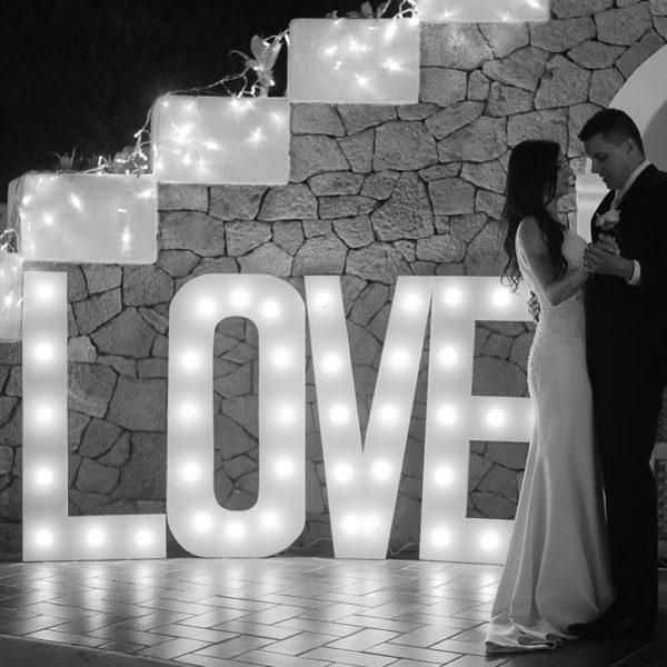 LOVE iluminado 1