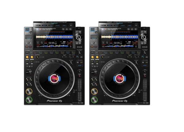 2 x CDJ3000 1